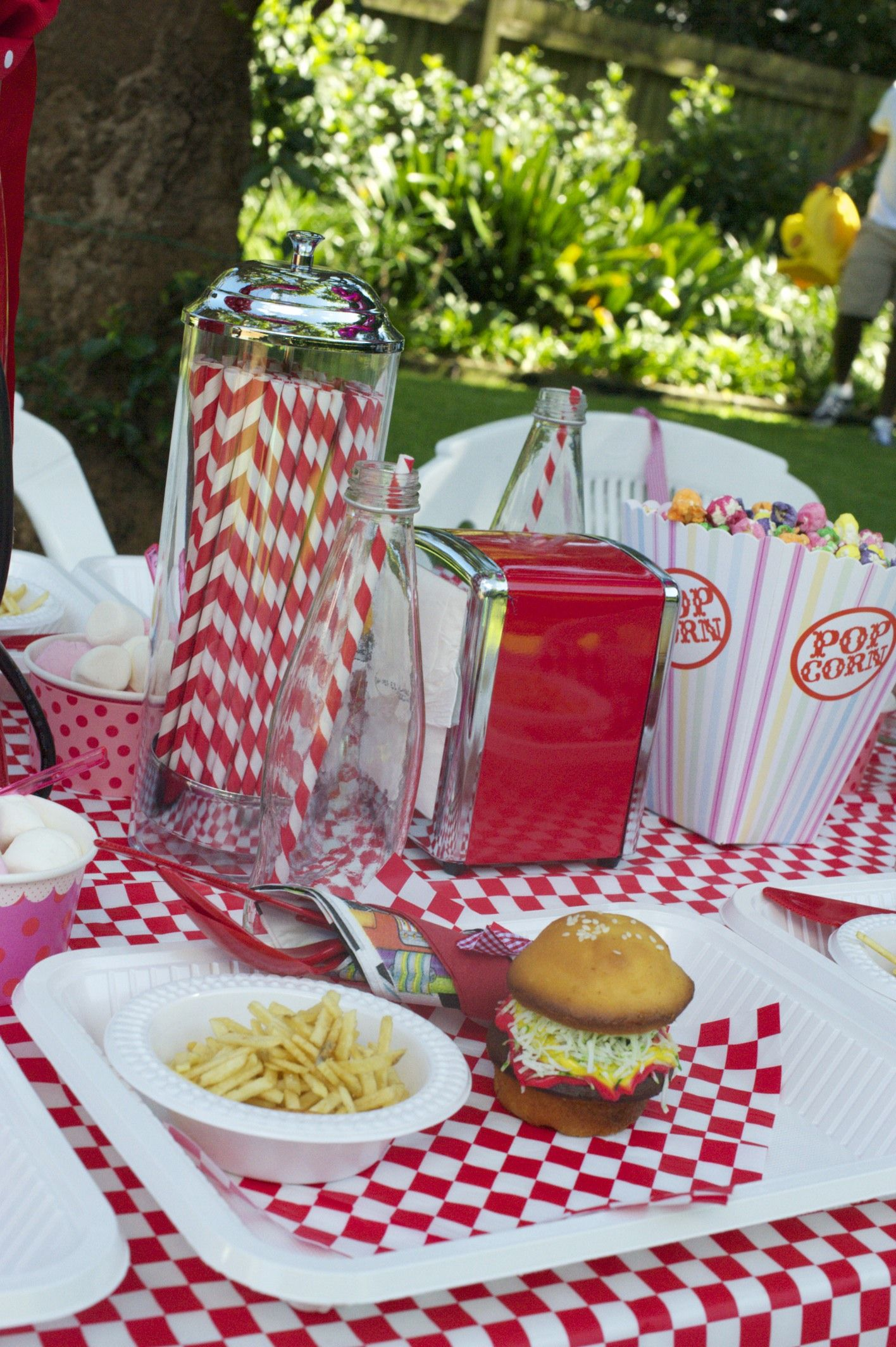 Love This American Diner Themed Party On The Phoodie Blog