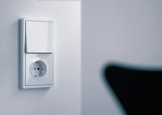 F100 By Gira Switch Range Blind Controller Led Series