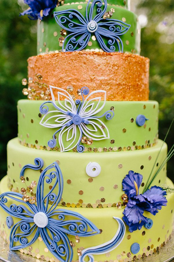"Gorgeous whimsical fairy tale wedding cake | Southern fairy tale styled shoot inspired by ""The Princess and the Frog"": http://www.xaazablog.com/whimsical-southern-fairy-tale-wedding-inspiration/ 