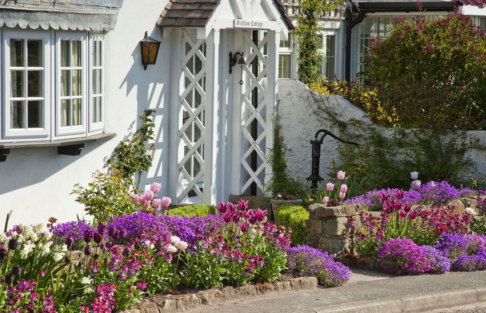 Front gardens: How to get the wow factor all year round ...