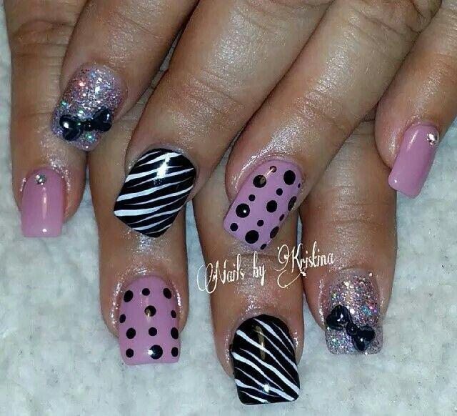 Nail Art Zebra Stripes: Zebra Stripes And Polka Dot Glitter Nailart #nailart