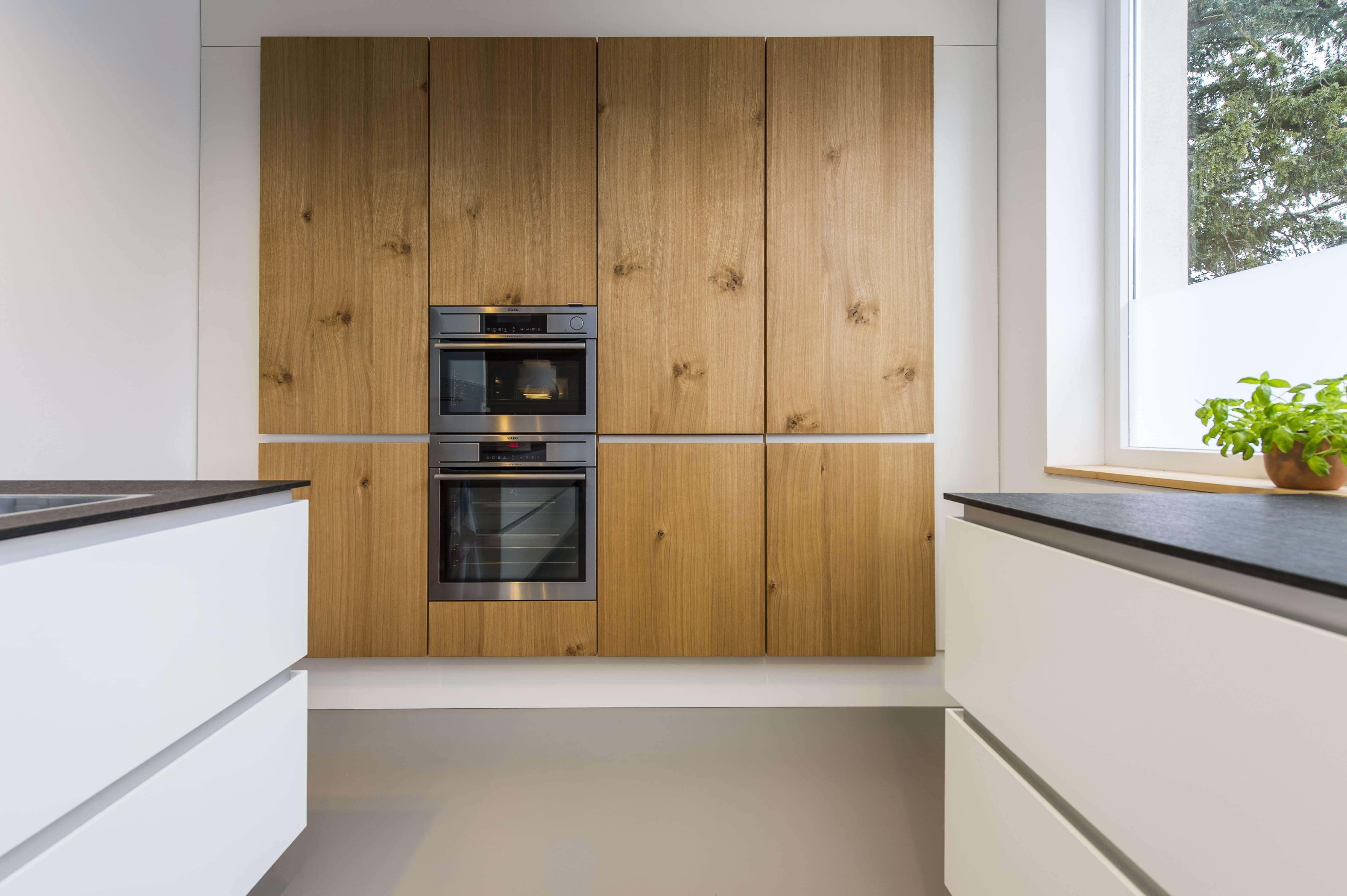 Skandinavisches Design: Moderne Wohnküche Im Alten Weinmeisterhaus
