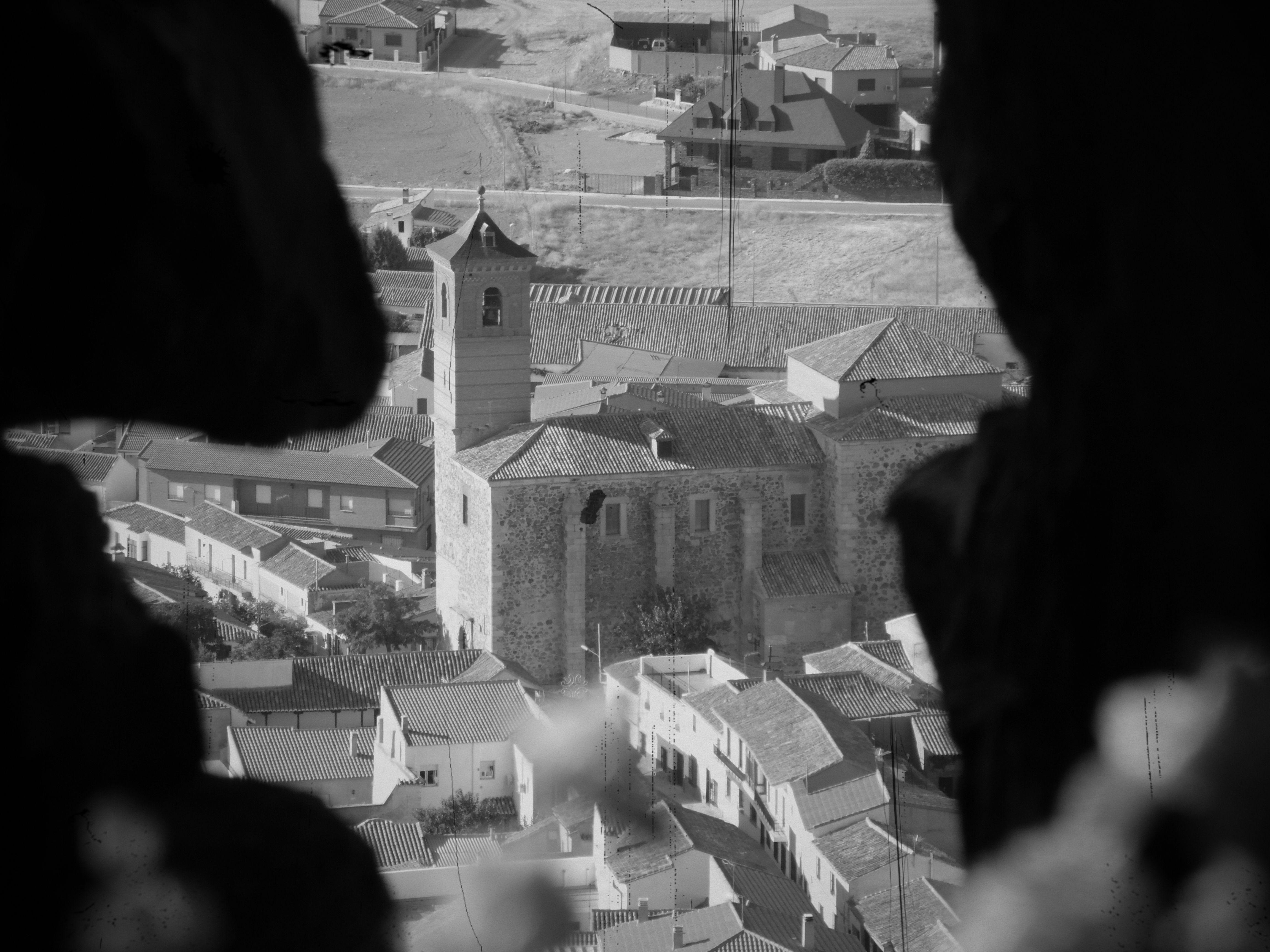ALMONACID DE TOLEDO (TOLEDO)  Vista del pueblo desde los muros del castillo.