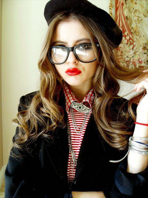 estilo geek feminino tumblr - Pesquisa Google Oculos Geek, Usando Óculos,  Olhos Coloridos, 48b16a38d8