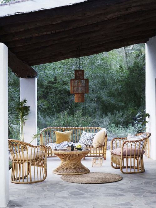 Boho Chic At Its Finest In This Outdoor Living Room The Wicker