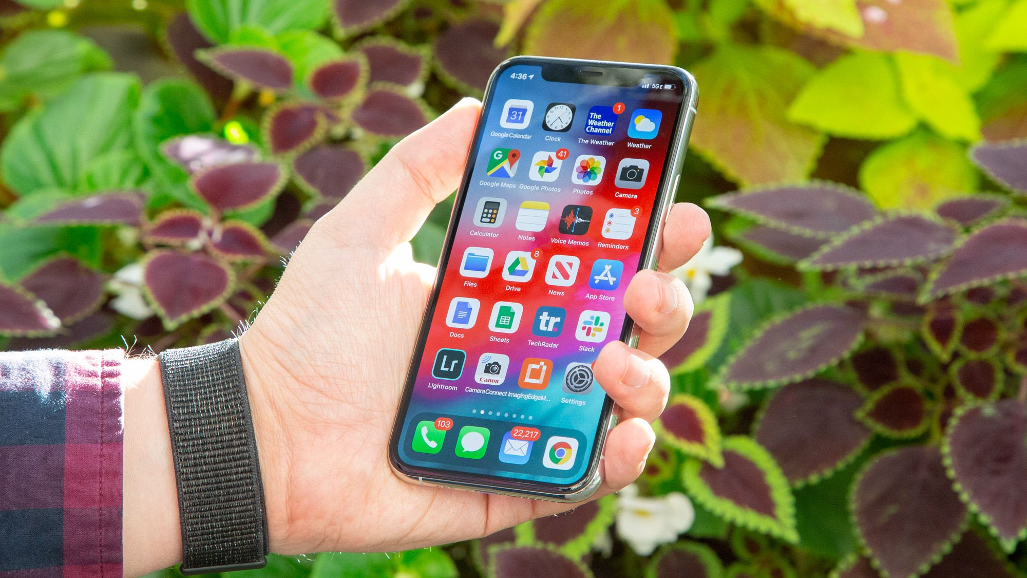 Optus Has The Iphone 11 Pro With 100gb For Au 99 Per Month Iphone Best Iphone Iphone Wireless Charging Pad