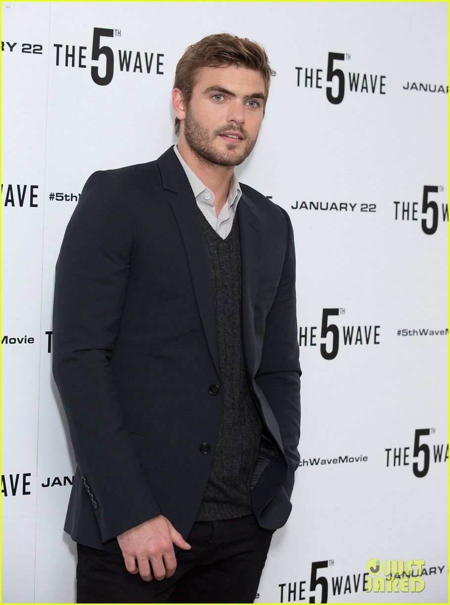alex roe gallery