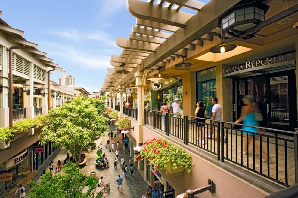 10 Best Places for Retail Therapy near the Honolulu Cruise