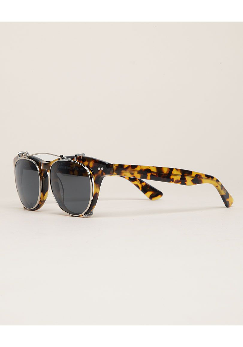Illesteva   Lenox Clip-On Sunglasses I think, I want you.   Stylezz ... 4d37ceb5d0