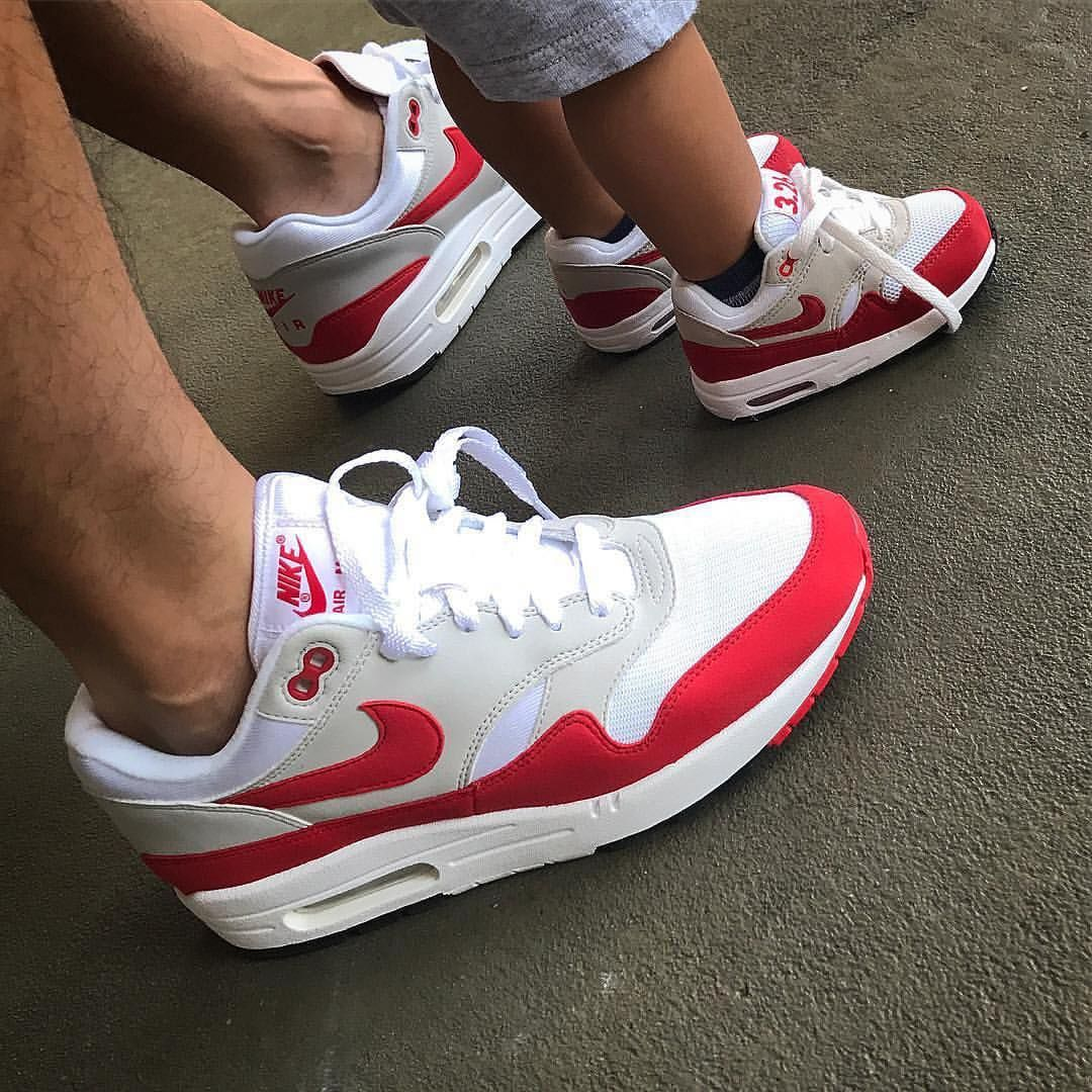 Nike Airmax 1 x OG Red • This is a awesome picture! Shoutout