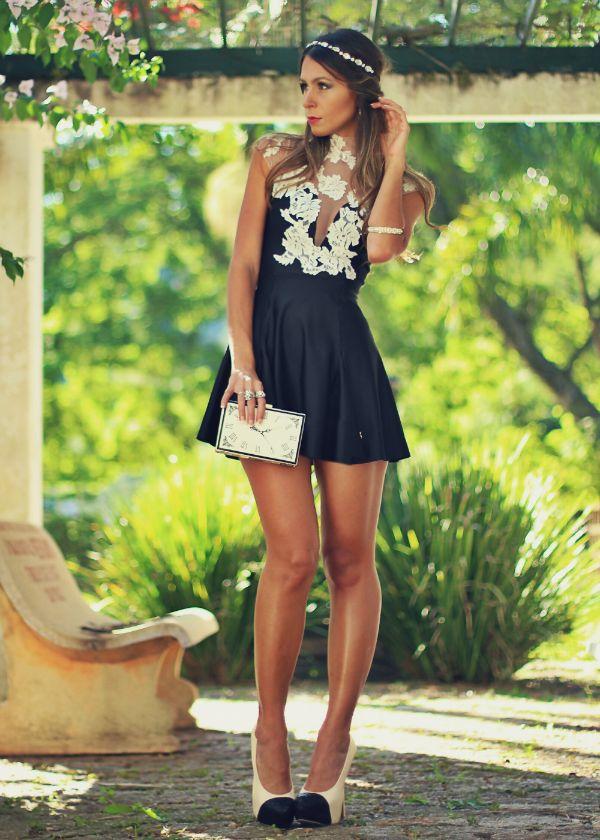 Vestido curto preto da moda