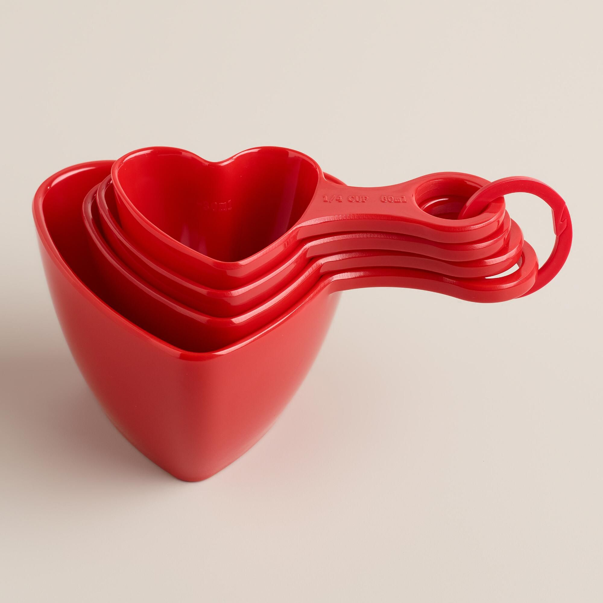 Made of melamine, our heart-shaped measuring cups are perfect kitchen tools for cooks and bakers who make everything with love.