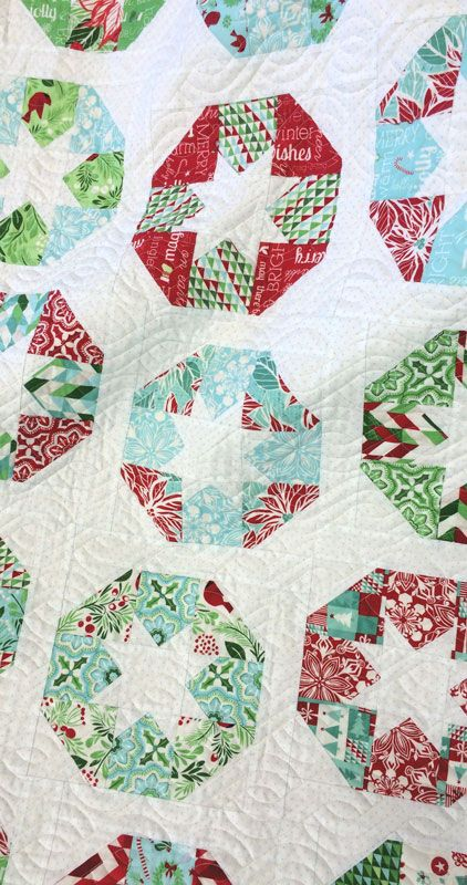 Lollies quilt by Carrie Nelson. Pattern by Camille Roskelley, Jingle collection by Kate Spain for Moda Fabrics 2015