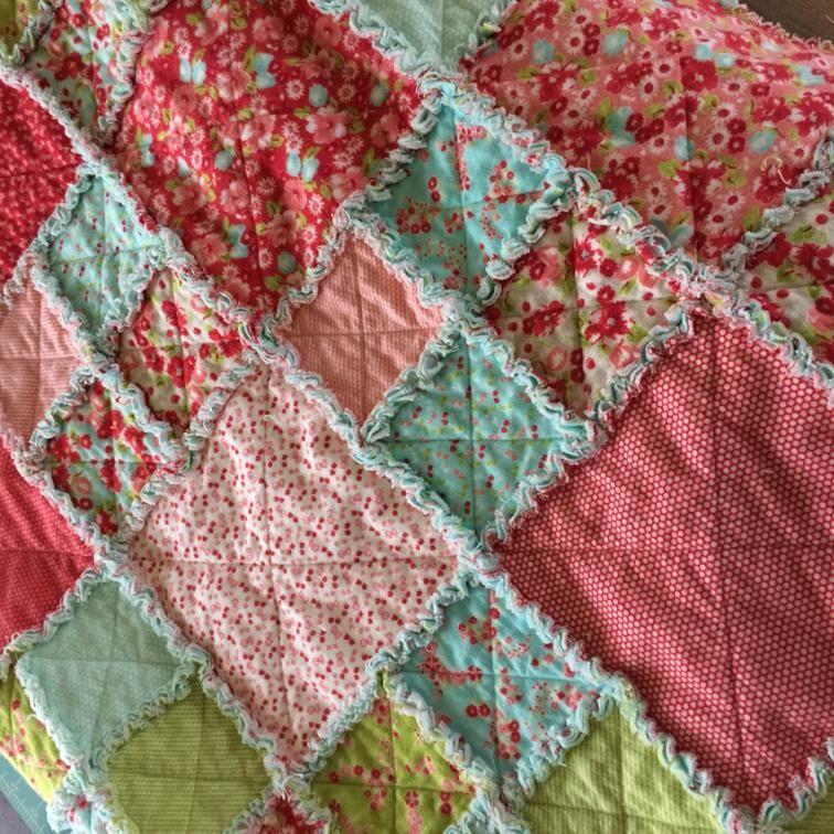 Layer Cake Rag Quilt Free Pattern Craftsy Rag Quilt Tutorial Flannel Rag Quilts Rag Quilt Patterns