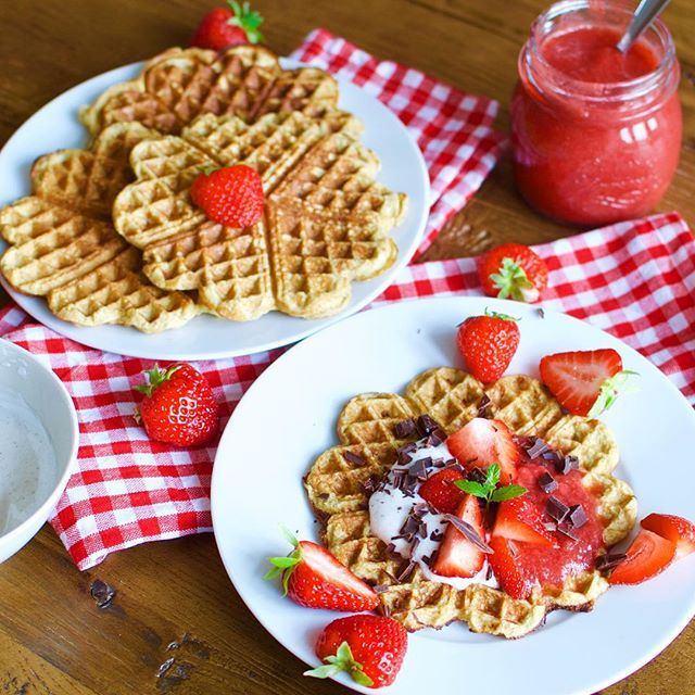 Healthy banana waffles with strawberry/rhubarb compote   These yummy waffles are ....