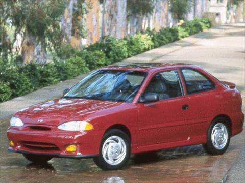 Check Out This 1998 Hyundai Accent For Throwbackthursday Tbt Hyundai Models Hyundai Hyundai Accent