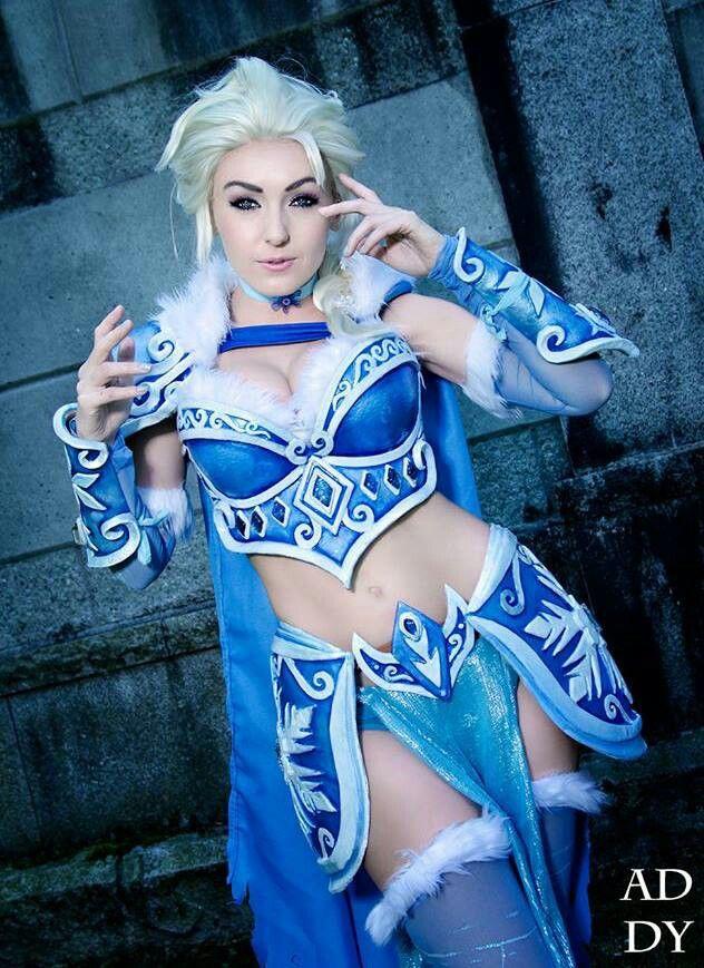 Jessica Nigri Warrior Elsa // ♥ http://thedeliciousness ...