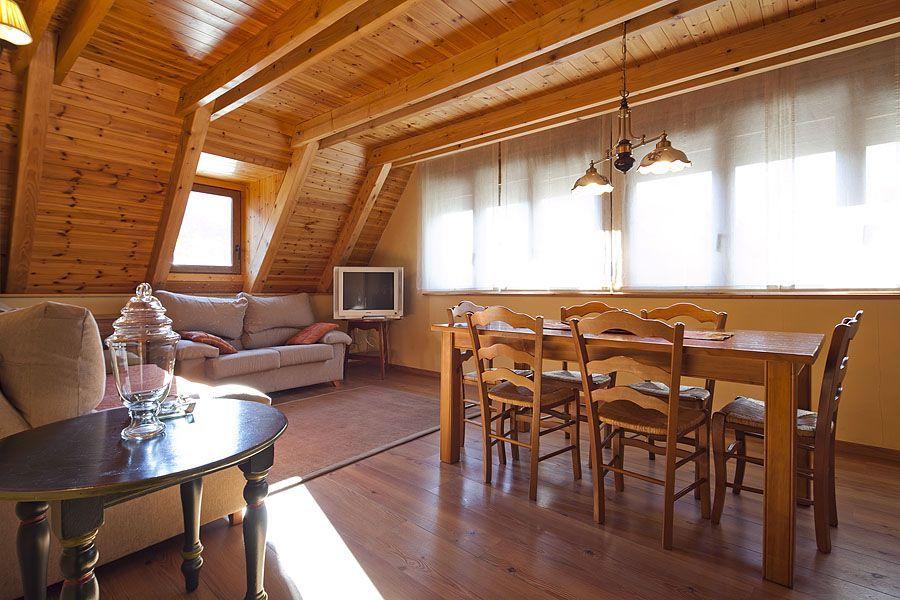 Duplex #Salardú 3 habitaciones #Baqueira #Valdaran #Alquiler #Apartamentos #Ski #Esqui #Nieve #Vacaciones #Holidays #Ocio Alquila tu #apartamento en www.pirinalia.com T. 973 10 72 07 #Snow #Snowboard