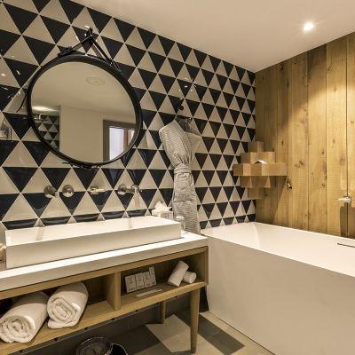 Pas jusquu0027au plafond, écrasant pour petite salle de bain Carreaux - plafond salle de bain