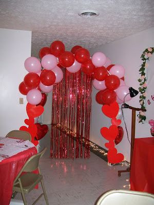 40 Beauty Romantic Valentines Party Decor Ideas Valentinecrafts Valentinescards Valentinesda Valentines Party Decor Valentine Centerpieces Valentines Party