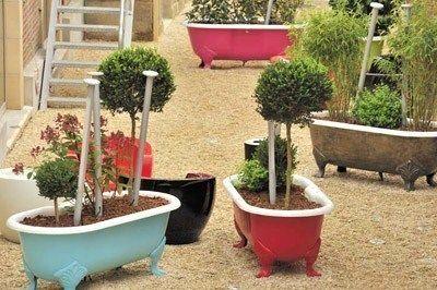 recycler de vieilles baignoires pour embellir le jardin bricolage pinterest planters. Black Bedroom Furniture Sets. Home Design Ideas