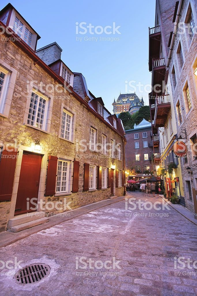 Alley In The Old Quebec City District With Images Old Quebec Stock Photo Websites Quebec City