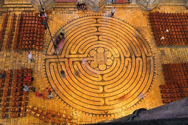 Labirinto da Catedral de Chartres, França