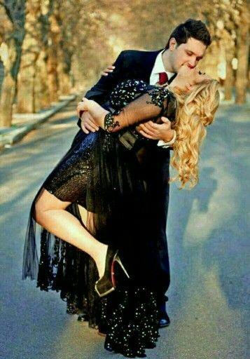 صور فوتوغرافية رومانسية Sequin Skirt Beautiful Couple Beautiful