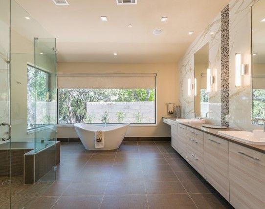 Viele kleine strahler verteilen das licht auch in die for Badezimmer ideen 6 qm
