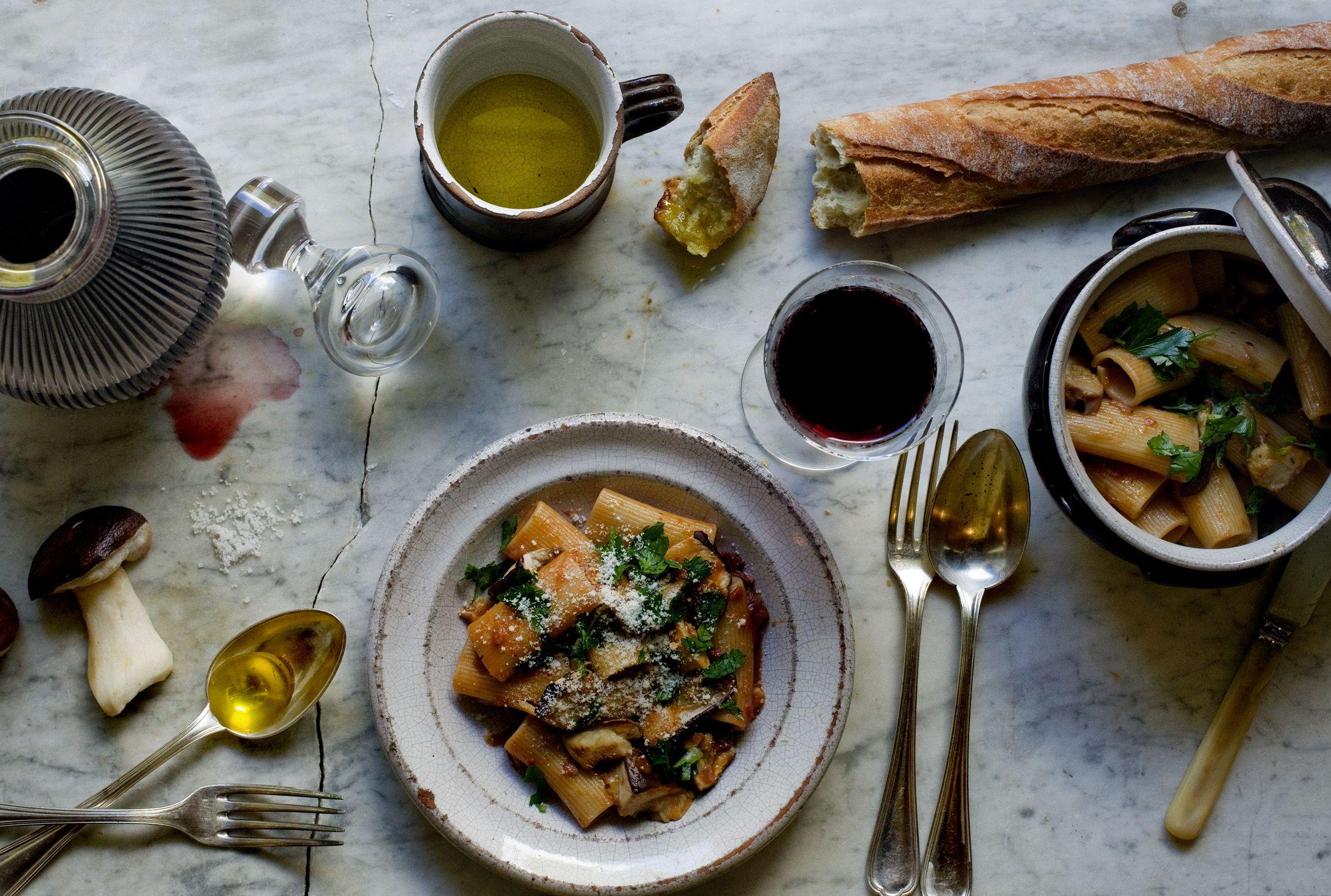 rigatoni la bordelaise with c pes pasta recipes. Black Bedroom Furniture Sets. Home Design Ideas