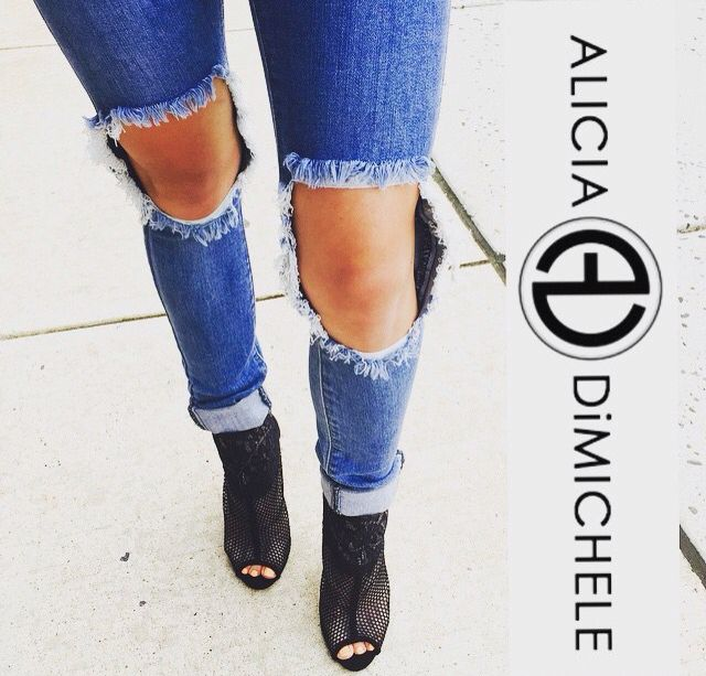 Perfect for a night out !   Come shop with us: www.aliciadimichele.com