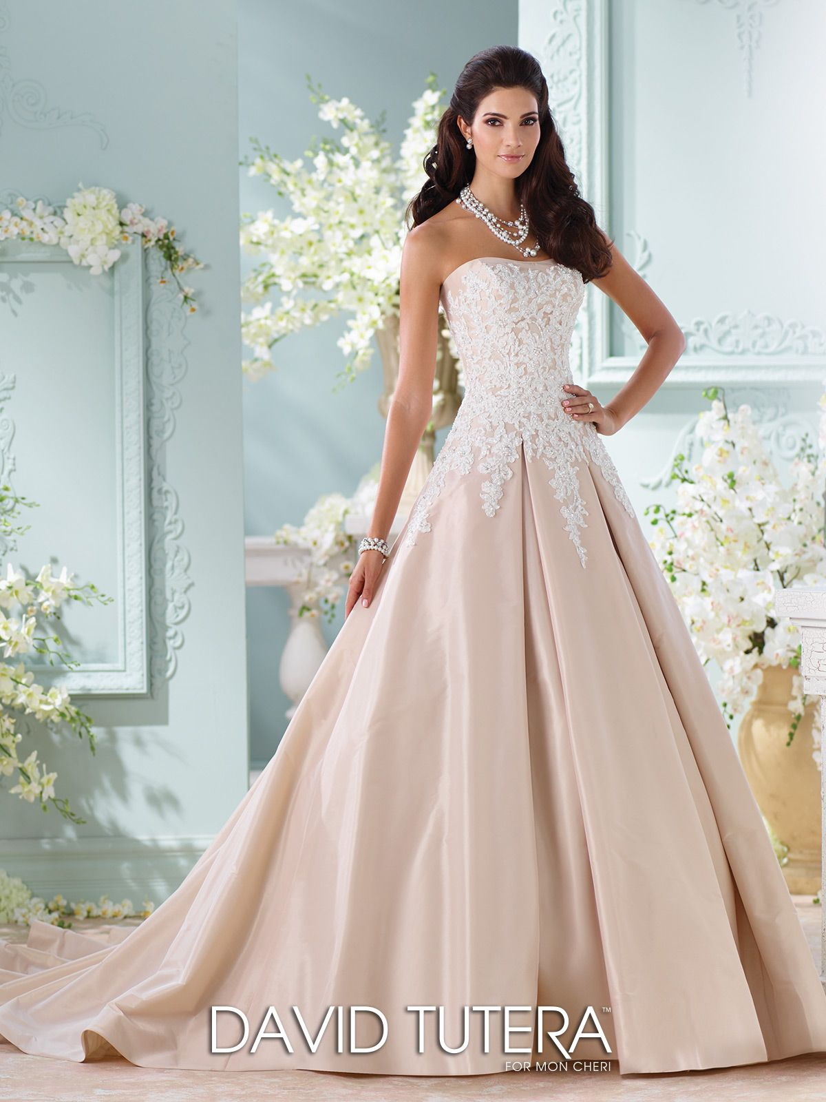 Unique Wedding Dresses Fall 2018 - Martin Thornburg | Champagne ...