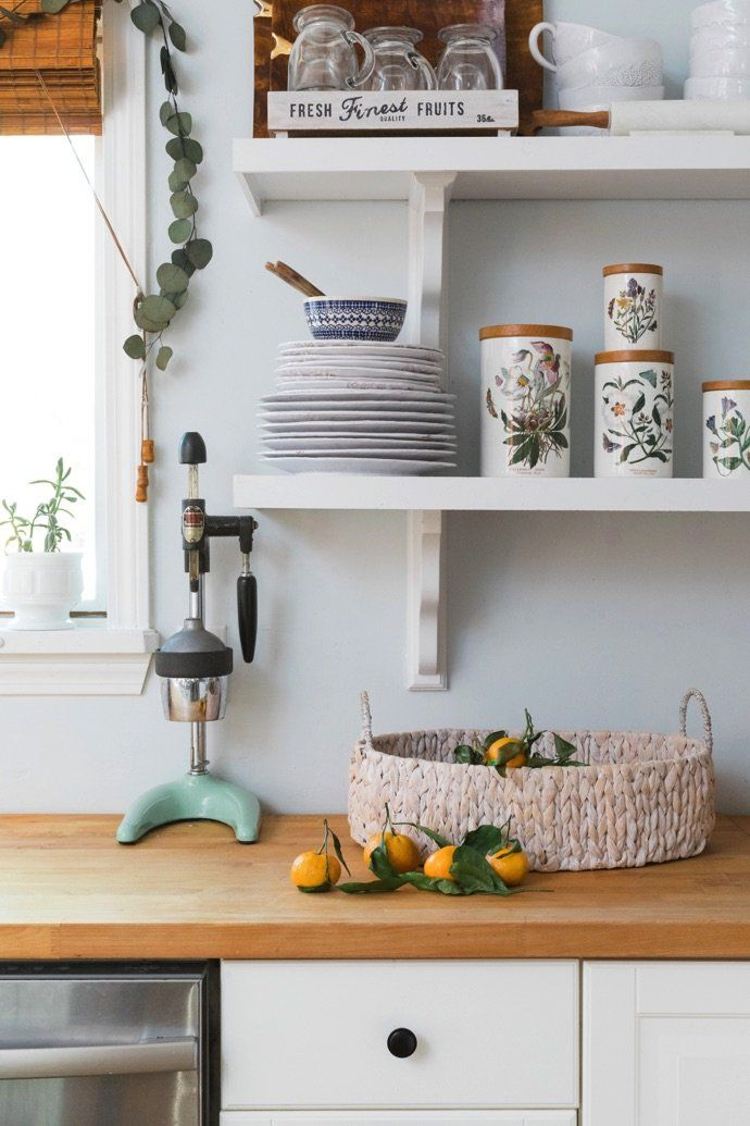 We D Happily Cozy Up In This Cute New England Farmhouse Kitchen