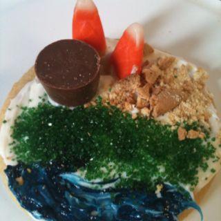 Landform Cookie  Sugar Cookie Base W Vanilla Frosting Blue Food