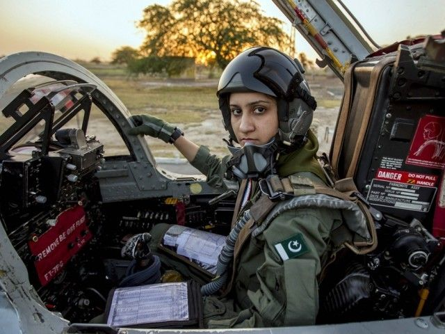 Ayesha Farooq 26 Pakistan S Only Female War Ready Fighter Pilot