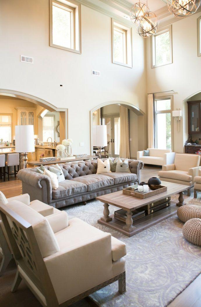 Wohnzimmer zweistöckig zurückhaltend Chesterfield Sofa ...