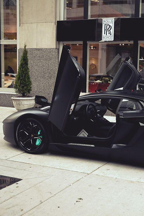 Lamborghini Aventador (via riqueza-de-la-vie)