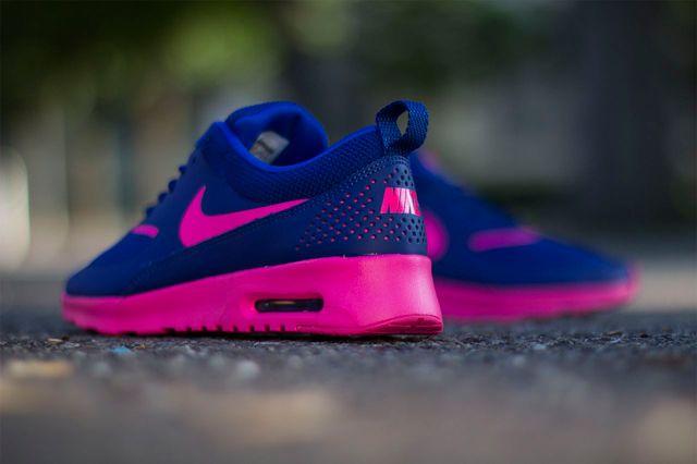 NIKE WMNS AIR MAX THEA (DEEP ROYAL BLUE/ HYPER PINK) | Sneaker Freaker