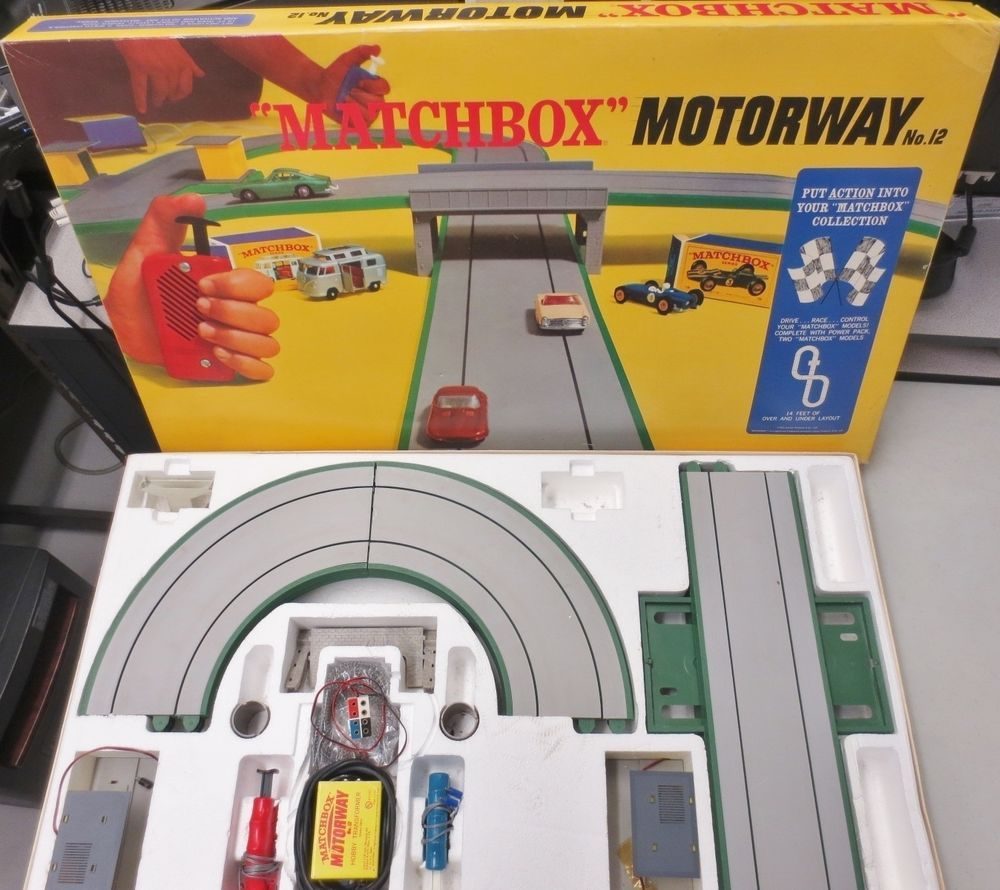 Vintage 1967 Lesney Matchbox Slot Car Motorway 12 Track Controllers Accessories Matchbox Matchbox Slot Cars Ebay