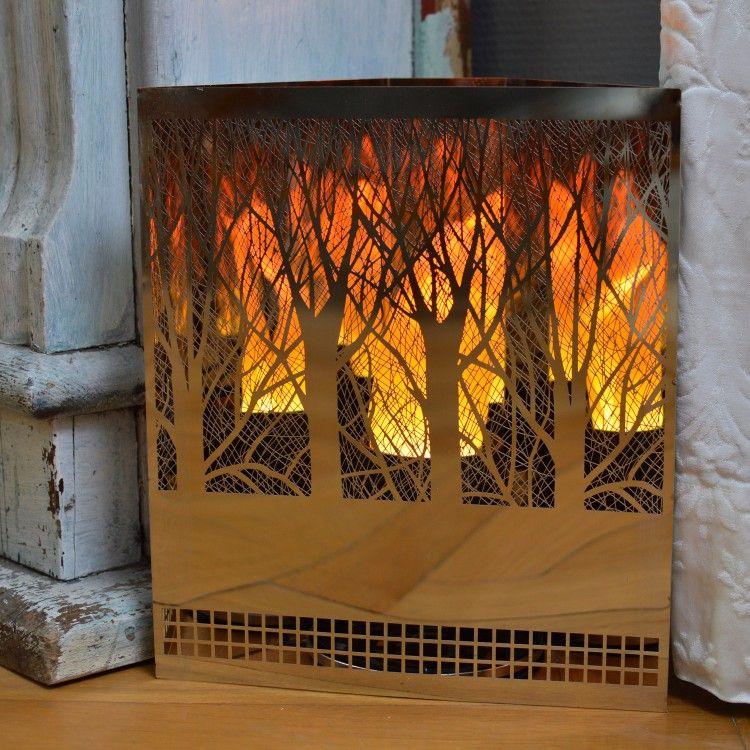 Die Flammenleuchten erzeugen ein wunderschönen Lichteffekt - besonders romantisch