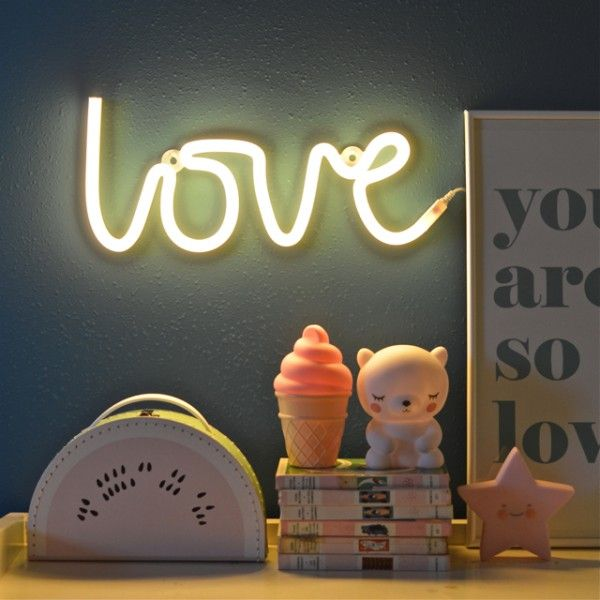 Lampe Style Néon Love Jaune A Little Lovely Company   Deco Graphic.com