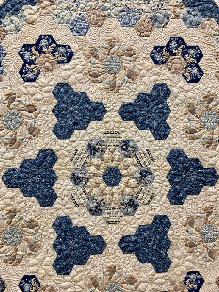 """3. Platz Quilt: """"Abbey's Flower Garden"""" von Ceidys Butterworth 3. Platz Quilt:"""
