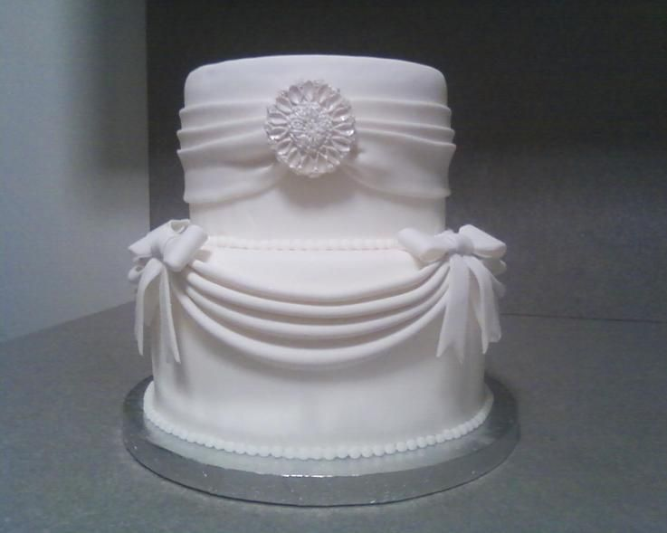 Drapes Swags Cake