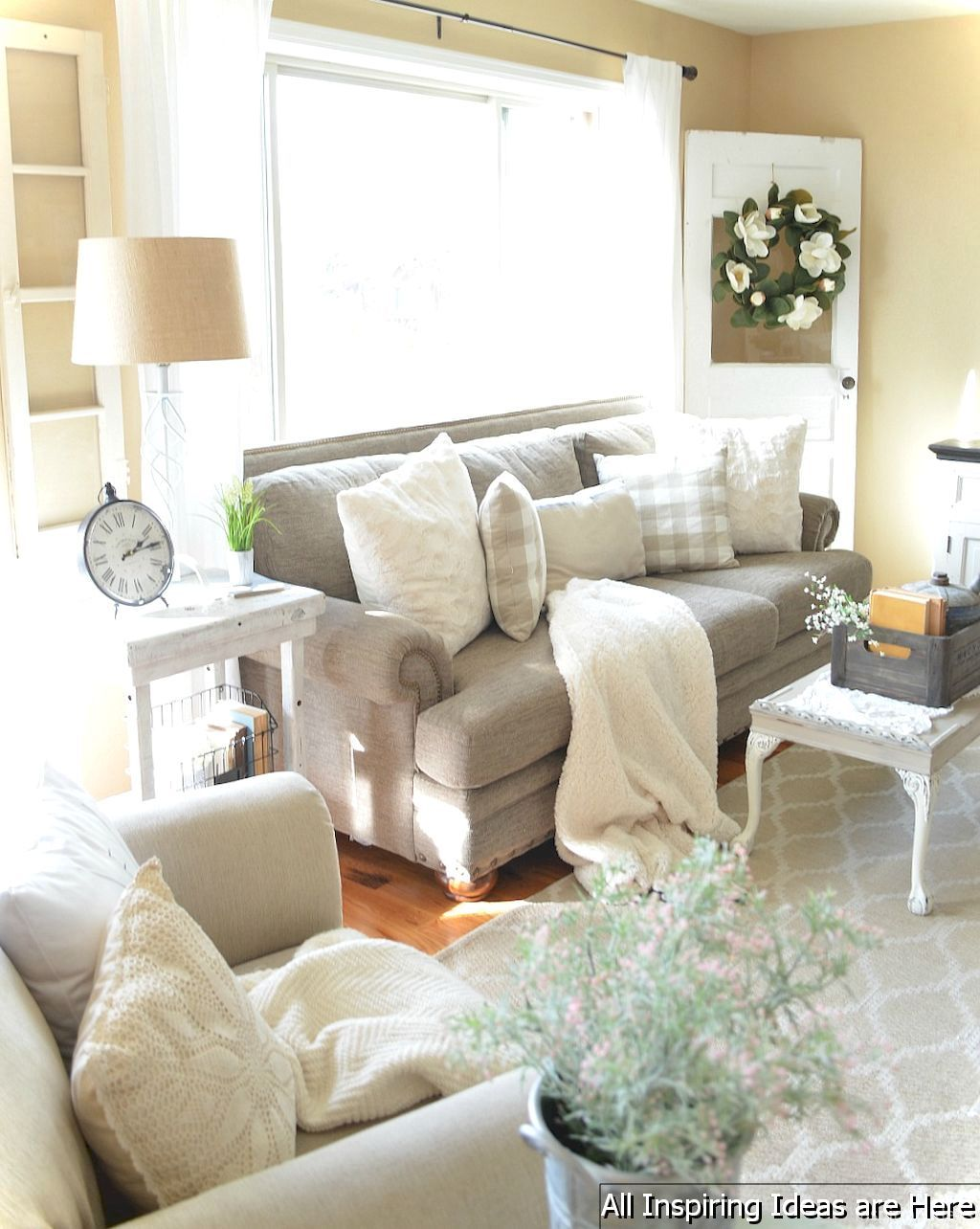 49 Interesting Modern Farmhouse Living Room Ideas