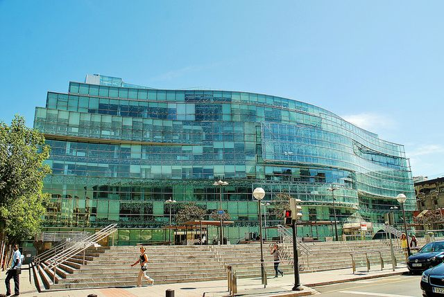 Edificio Administrativo Plaza Bizkaia 2612 by javier1949, via Flickr