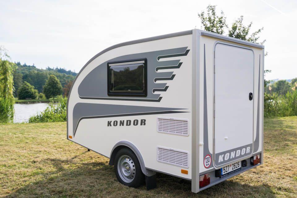 kleiner wohnwagen aus tschechien der minicaravan modell. Black Bedroom Furniture Sets. Home Design Ideas