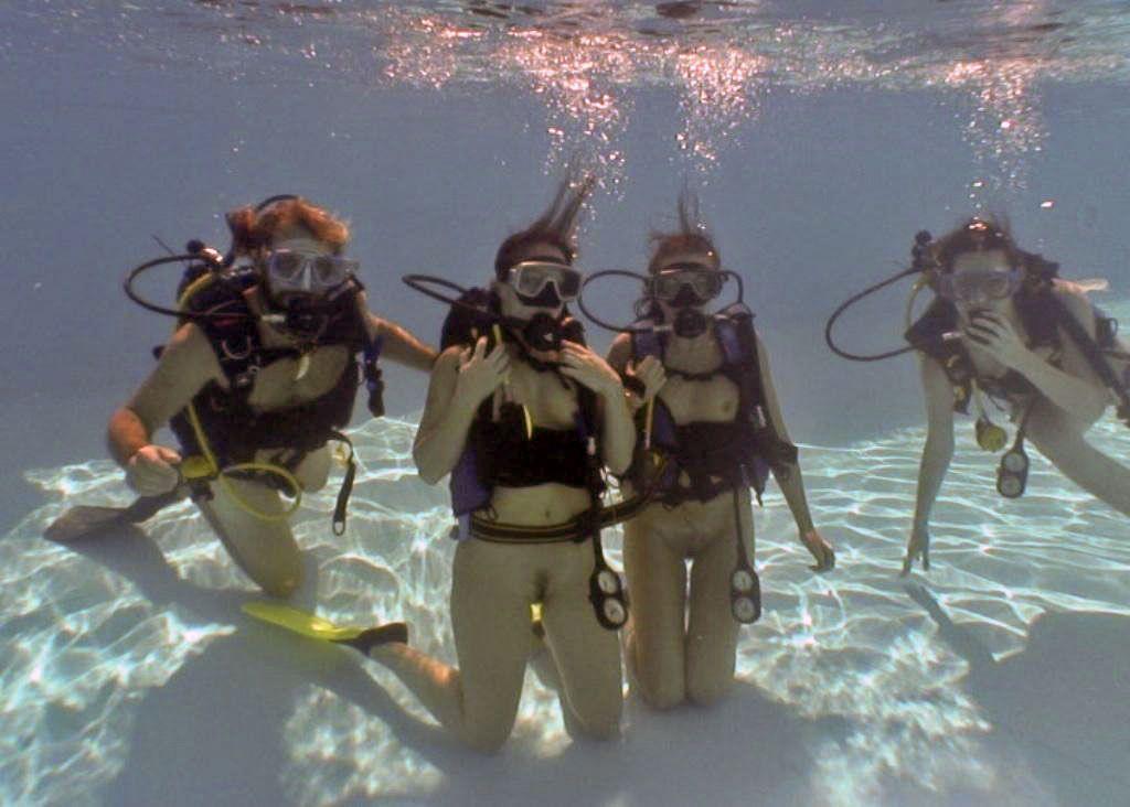 nude scuba skin diving