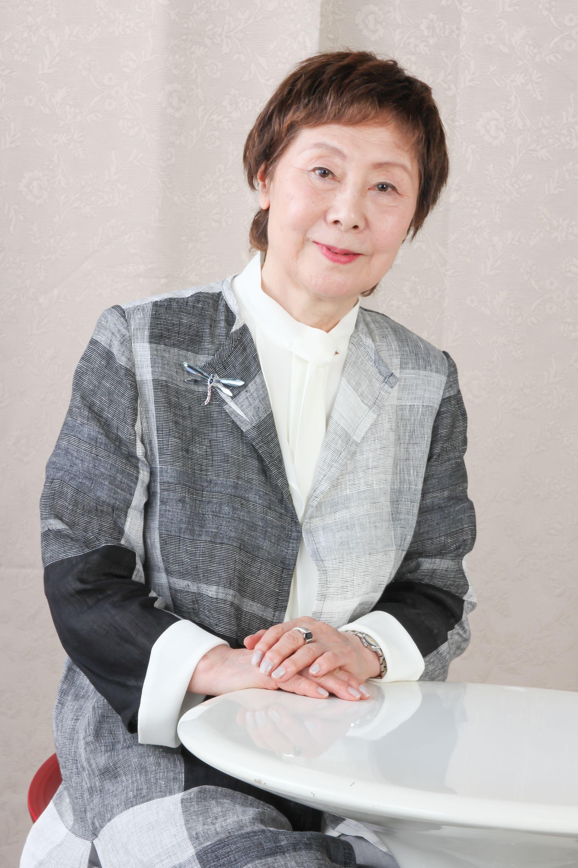 ゲスト 花田 和子 kazuko hanada 青森県出身 1963年日本シャンソンの聖地 銀巴里にてデビュー コラ ヴォケール バルバラ グレコなどのレパートリーを得意とし コンサート ディナーショー シャンソニエ等に数多く出演 また 読売 日本テレビ文化センターで