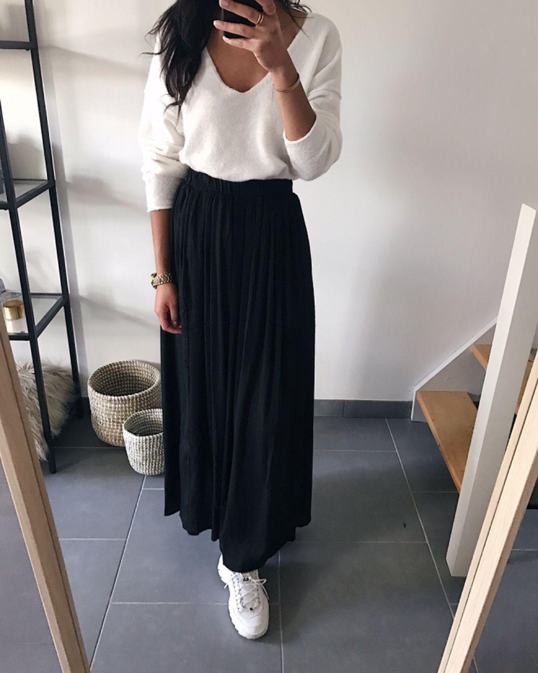 dc961a84ca14d2 Jupe longue plissée noire / 32€90 Idée de look: portez-là avec un ...