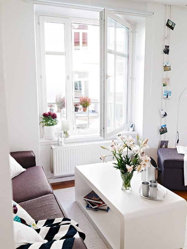 A small flat with a difficult layout and great decorating solutions ...